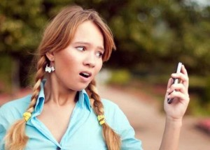 10 Embarrassing Things Moms Do To Their Teens Online